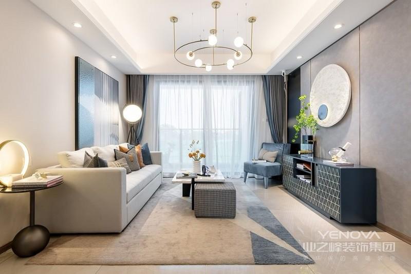本案例以简洁大方奠定房屋装修基调,用不同的颜色与时尚元素令现代轻奢风格家居富有生命色彩,