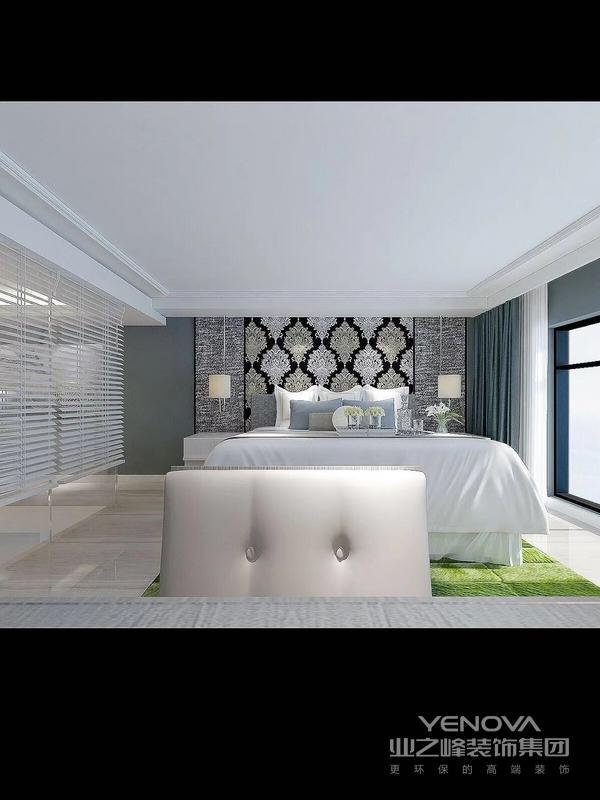 整个卧室的空间还是比较宽敞的整个卧室的配色也比较简单,以黑白灰为主。