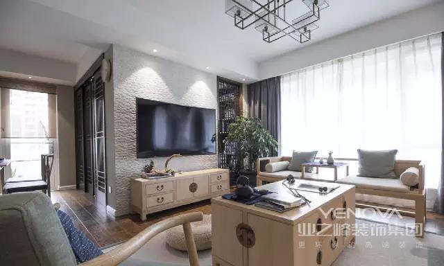 电视背景墙面色彩选择高级灰,在射灯的照耀下,电视机好像一件展览品,您也可以在装修设计上尝试一下。