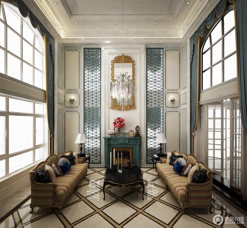 宽敞的挑高大客厅里,双面玻璃窗带来充足的自然光线,使整个空间通透感十足;雅致的灰蓝与金色相间装饰点缀,配上质朴素敛的沙发,在拼花地板的几何演绎下,空间混搭出雅致华贵。