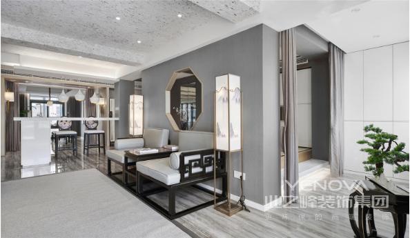 客厅整体空间通透流畅,以高级灰为主色调,素雅又具有质感