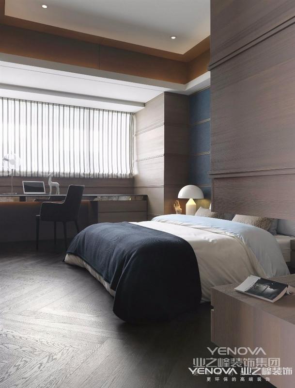 港式风格多以金属色和线条感营造金碧辉煌的豪华感,简洁而不失时尚。港式风格是码头文化与殖民地文化的产物,对于钢性材料与线性材料的运用确是到了极致,换句话说,港式文化属于多源头文化。室内设计潮流多以现代为主,大多色彩冷静、线条简单。