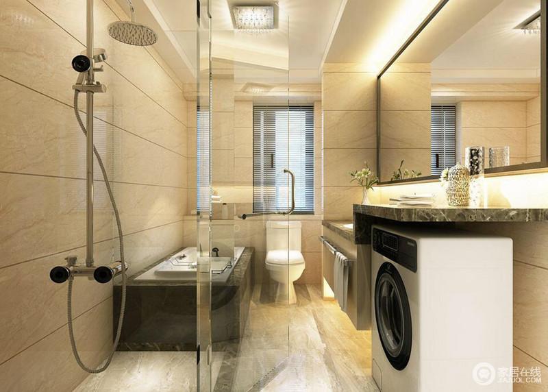 卫浴空间利用大块条纹砖,演绎规整的线条几何美感;灯带散发的暖韵光芒,洒在土黄色墙面上,透着温馨舒适的闲适意味;通透的玻璃和宽大的浴室镜,则轻盈了空间质感。