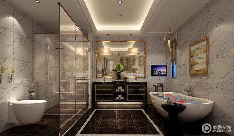 卫浴间以黑白双色打造出视觉美感,砖石天然的文脉成为最好的装饰;利用玻璃进行干湿分区,金框镜饰和黑色盥洗台以奢华的复古感更显经古典风,而简洁的设计却表达着实用至上。