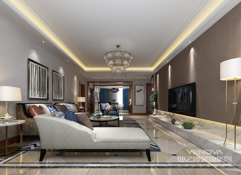 简洁大方的客厅用块面的形式装饰,在灯光的渲染下极富层次;所用色调的深浅、明暗对比令视觉更加活跃,家具色调上的内敛给予深厚的艺术质感,讲究的陈列给你带来现代轻豪华的气息