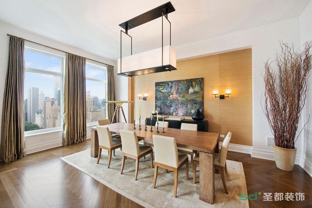 餐厅的现代感吊顶,搭配长方形的原木色餐桌椅,无一不体现了主人的品味和气质。
