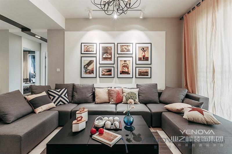 现代简约风格的装修风格迎合了现在年轻人的喜爱,现在都市的忙碌生活,早已经让我们烦腻了花天酒地,灯红酒绿,我们更喜欢的一个安静,祥和,看上去明朗宽敞舒适的家,来消除工作的疲惫,忘却都市的喧闹。现代风格外形简洁、功能强,强调室内空间形态和物检的单一性、抽象性。那么, 更多现代简约风格装修效果图请点击查看 现代简约风格特点: 1.在家具配置上,白亮光系列家具,独特的光泽使家具倍感时尚,具有舒适与美观并存的享受。在配饰上,延续了黑白灰的主色调,以简洁的造型、完美的细节,营造出时尚前卫的感觉。 2.装修的简约一定要