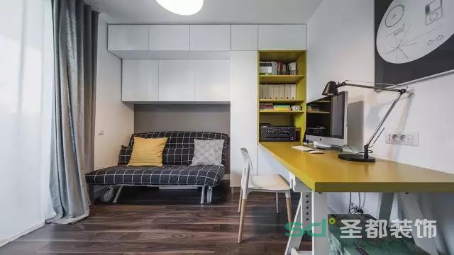 次卧兼书房,两则功能都可以同时使用,功能齐全,收纳空间多。