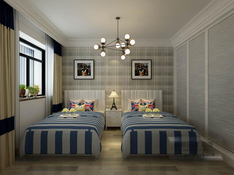 卧室床头采用苏格兰格纹壁纸,乡村中的经典元素
