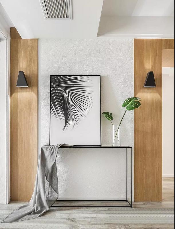 整體空間以現代北歐風為主,遵從內心的感受,以木色,白色,淺灰色來營造了一種舒適感,簡潔而不簡單。