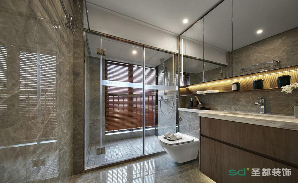 卫生间干湿分离区分开来,合理利用空间的同时不占多余空间。墙面和洗漱台的颜色也是很接近。