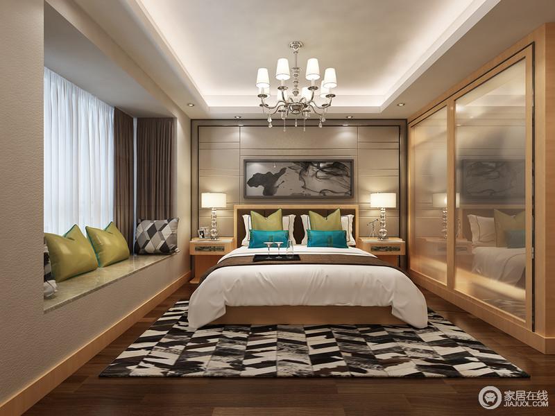 空间不需要繁琐的装潢和过多家具,几何造型的背景墙与黑白晕染的地毯彰显着不同的艺术效果,愈显沉稳;实木边几和衣柜实用性十足,容纳着绿色靠垫和中式泼墨画,令卧室更多变多彩。