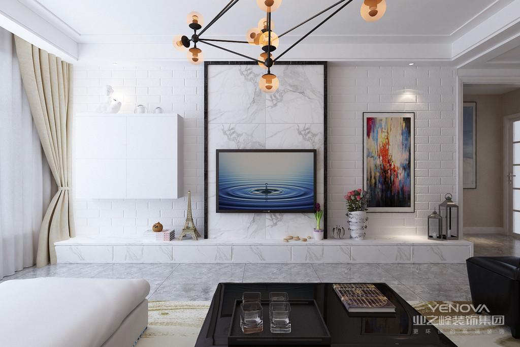 墙面装饰材料可以选择一些比较有特色的来装饰房间,比如借助硅藻泥墙面装饰材料进行墙面圣经等内容的展示,就是很典型的欧式风格。当然简欧风格装修中,条纹和碎花也是很常见。