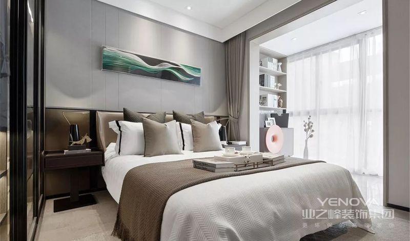 床作为卧室的核心,灰棕色的床品端庄稳重,触感柔和舒适。