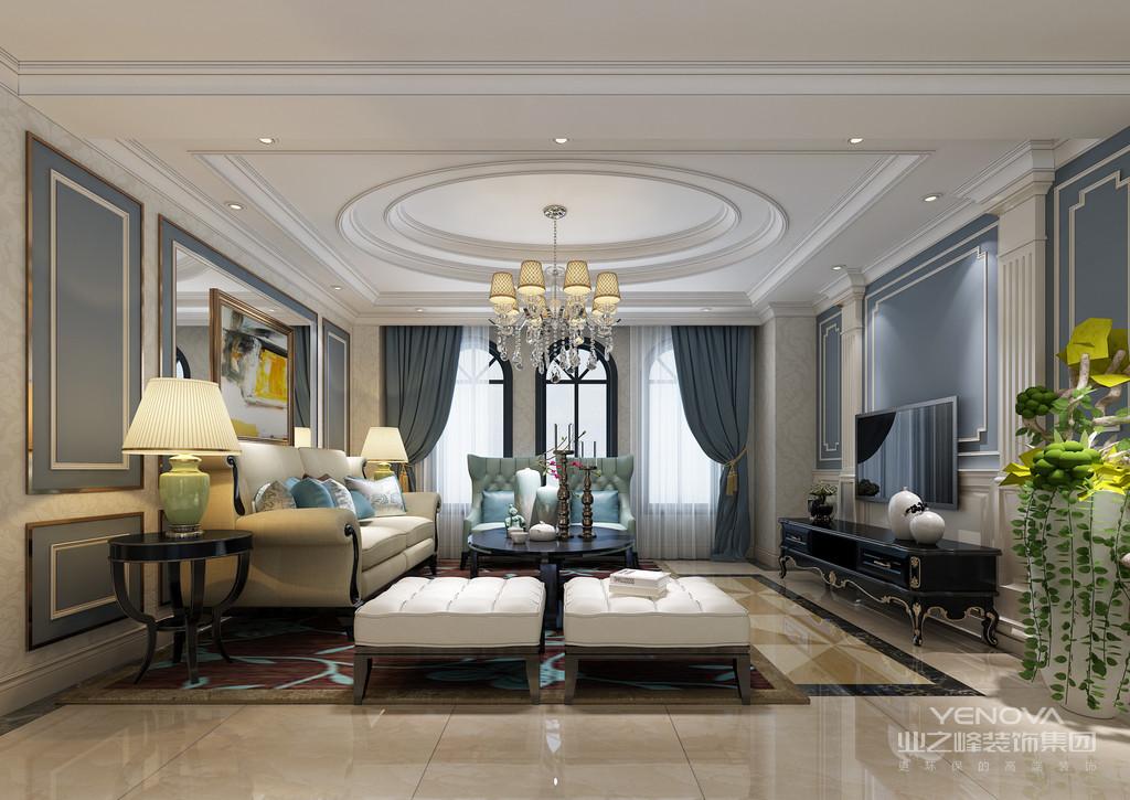 金黄色和棕色的配饰衬托出古典家具的高贵与优雅。餐厅空间采用独立圆形吊顶,展现欧式的奢华和精致。