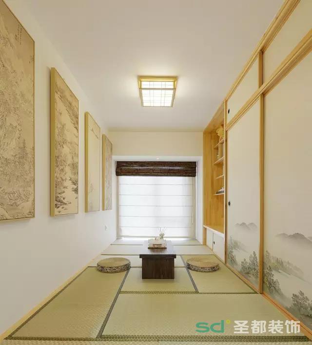 日式风格的茶室充满禅意,显示主人高雅的品味。榻榻米的设计显得很温馨,休闲时间约上三五好友在里面喝茶聊天,能坐上一下午,累了还可以就地躺下休息。