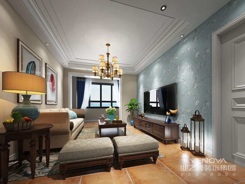 净白的客厅,电视墙以壁纸造型,搭配实木电视柜、茶几,一套舒适的布艺沙发温馨简约,整体轻松自然。