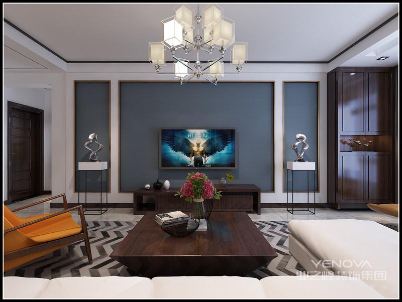 对称的电视背景布局,深色的电视柜,两边的摆件,有种悠闲地自在。