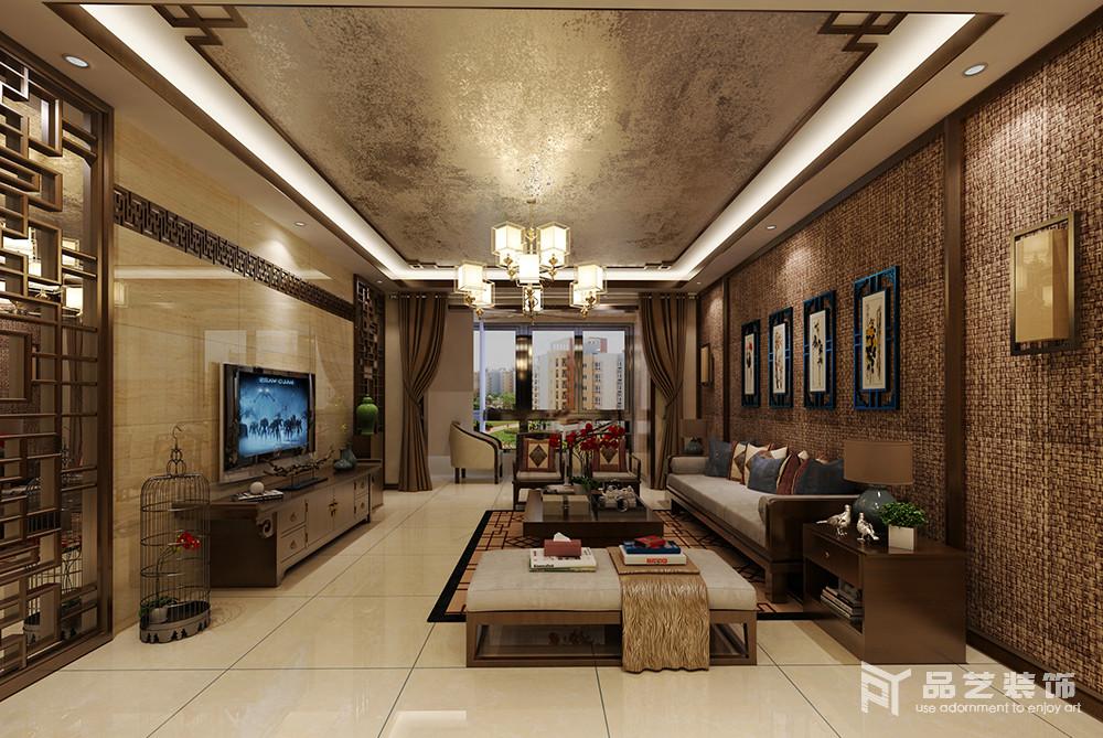 整个墙面以编织的挂毯来装饰墙面,与金箔吊顶形成不同的效果,而背景墙的镂空隔断搭配中式家具,加重了空间的东方意蕴,让空间足够大气。