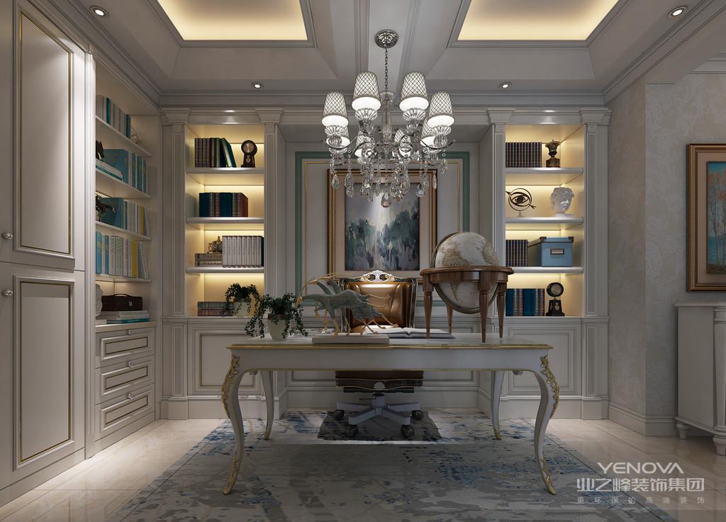 书房的家具以白色为主,墙面与书架结合并装饰了雕花廊柱;造型柔和优雅的书桌创意的搭配褐色软包沙发椅,空间透着轻盈时尚。