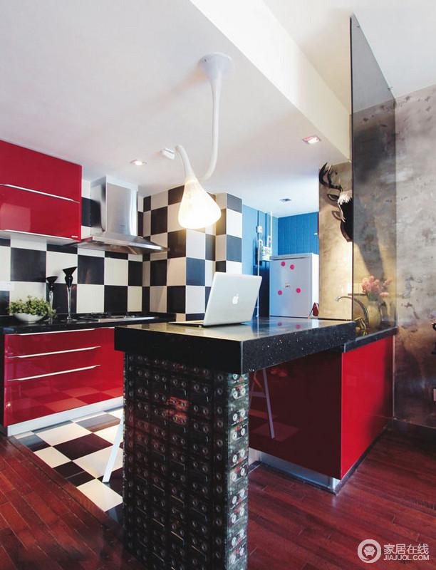60平浪漫艺术的小家 墙面设计很个性