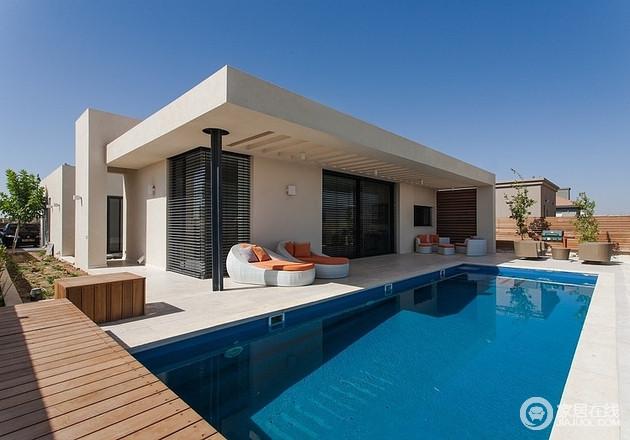 简单的有游泳池的家 享受生活的美好
