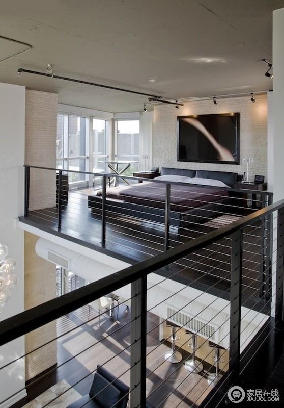 家有楼梯的看这里 上下两层划分明确