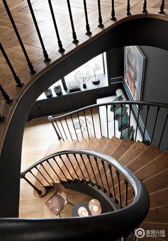 黑色别致优雅的家居 复古蓝增添趣味