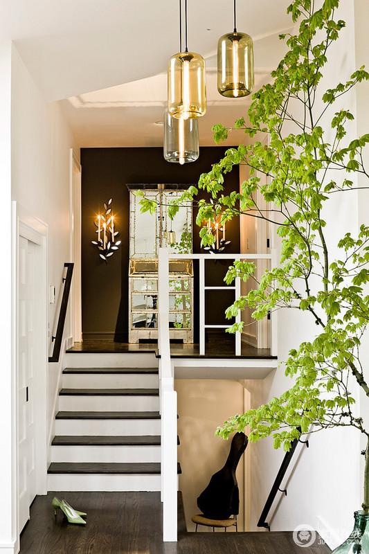 清新明亮色调家居 重色地板铺就的时尚