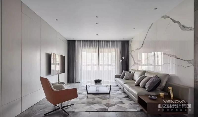 客厅,地面通铺灰色瓷砖,顶面极简的造型,用点光源取代主灯,饰面板电视机背景与大理石沙发背景墙,让空间呈现非凡气质