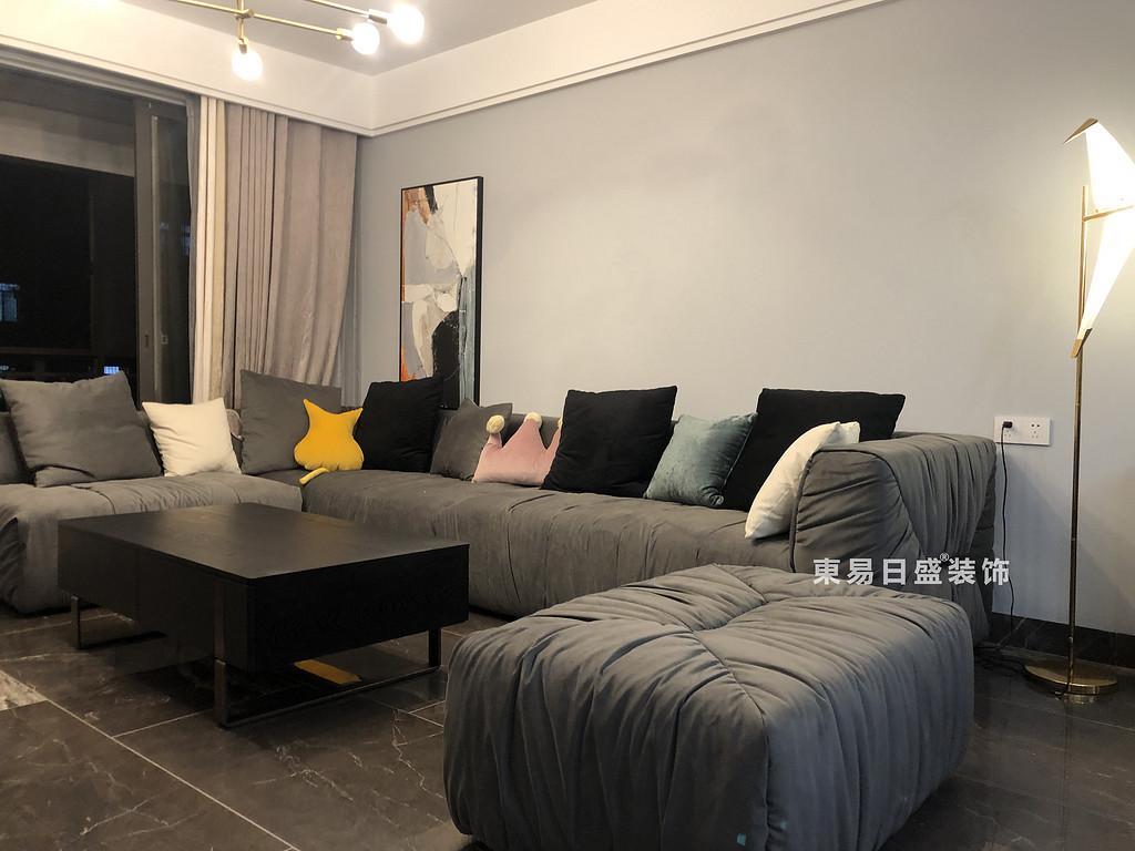 桂林悠山郡二居室90㎡现代北欧风格:客厅装修设计实景图