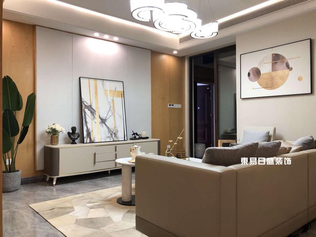 新安厦•西宸源著E户型顶层合院6房2厅210㎡样板房现代简约风格:客厅装修设计实景图