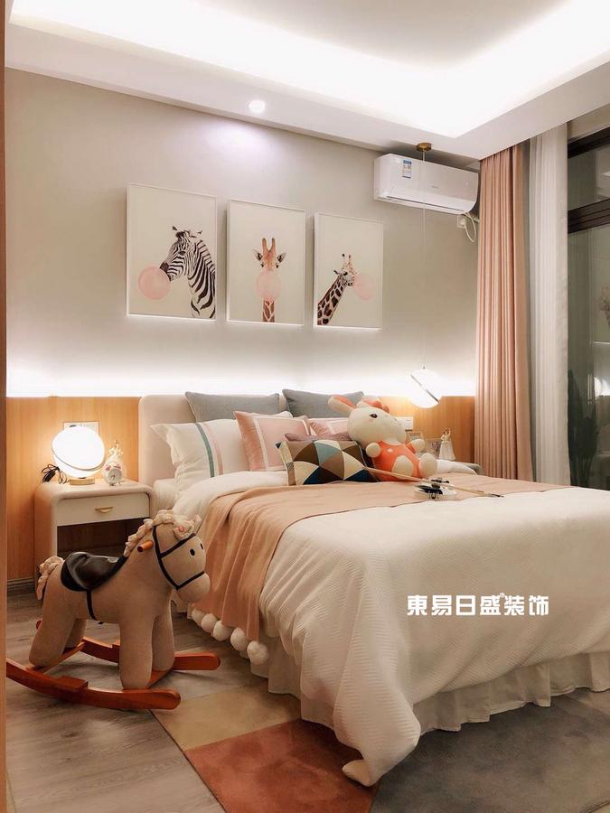 新安厦•西宸源著E户型顶层合院6房2厅210㎡样板房现代简约风格:儿童房装修设计实景图