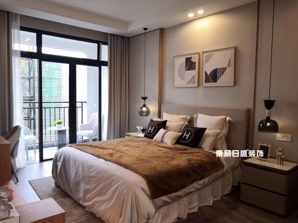 新安厦•西宸源著E户型顶层合院6房2厅210㎡样板房现代简约风格:主卧室装修设计实景图