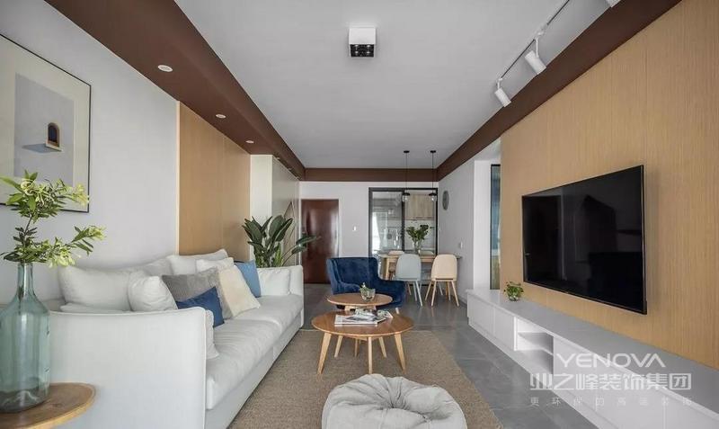 灰色地砖奠定低调而内敛的基调 不同材质与色调的融合 新颖而富有格调