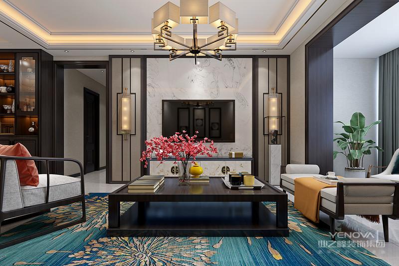 厅里摆一套明清式的红木家具,墙上挂一幅中国山水画等,传统的书房自然烧不来书柜、书案以及文房四宝。