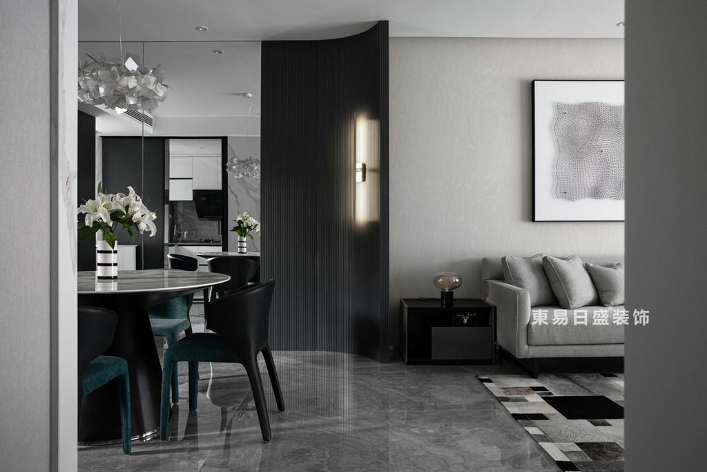 桂林江與城三居室135㎡現代風格:廚房餐廳裝修設計效果圖