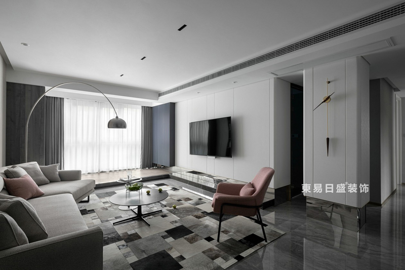 桂林江與城三居室135㎡現代風格:客廳裝修設計效果圖