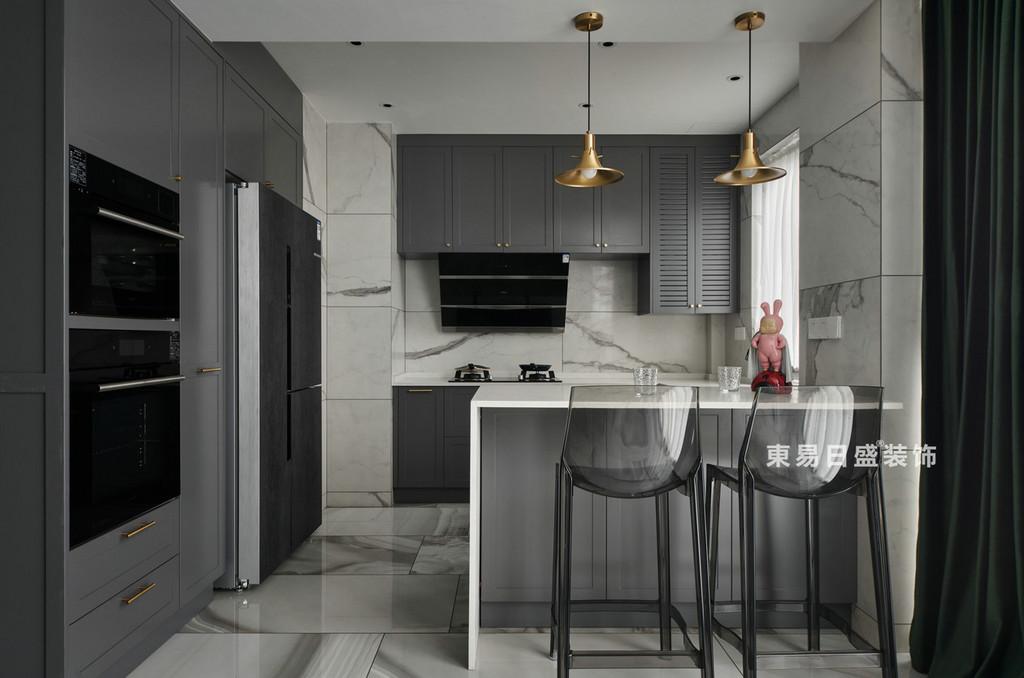 桂林兴进•漓江郡府三居室130㎡现代风格:厨房装修设计效果图