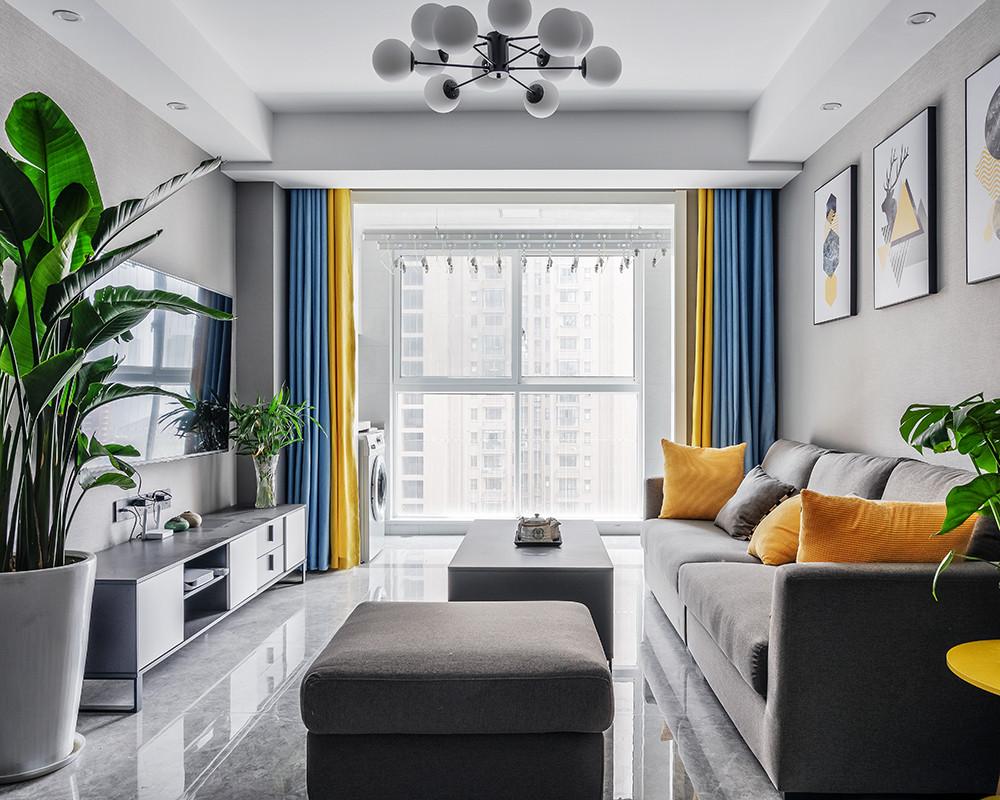 设计的元素、色彩、照明和原材料简化到最少的程度。