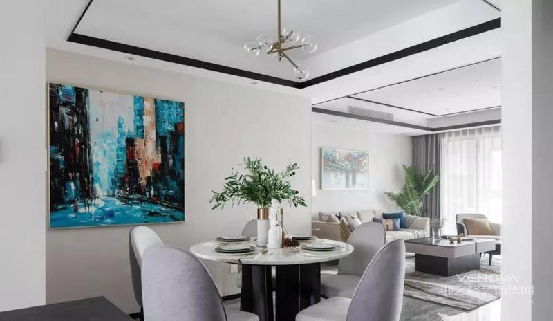 餐桌添置一瓶点睛的绿植白色的雕塑摆件瞬间提升了层次感简洁的配色完美地融合了软装硬装