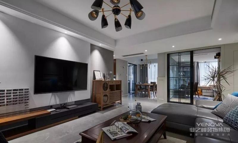 整个客厅纯灰主义,灰色系列色调,让公领域空间呈现简洁明了的基调