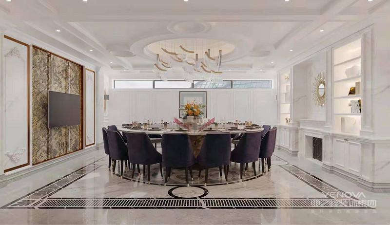 简欧风格是欧式风格的一种,而欧式家居尤其要注意软装饰的运用,软装饰在烘托欧式风格中起着关键的作用。