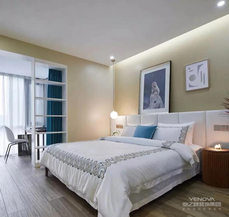 主卧刷上温和的色调乳胶漆,柔软的床上用品,营造出舒适安静的睡眠环境