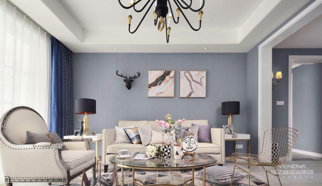 客厅,米色布艺沙发+铆钉的点缀,带来了大方、典雅的气质