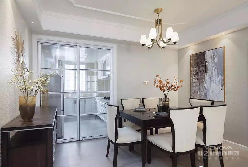 餐厅,美式餐桌椅升华经典美式韵味,淡雅的奶油色餐椅营造细腻、温和的视觉感受。