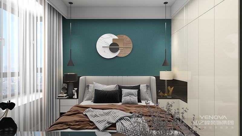 在室内设计方面,不是要放弃原有建筑空间的规矩和朴实,去对建筑载体进行任意装饰