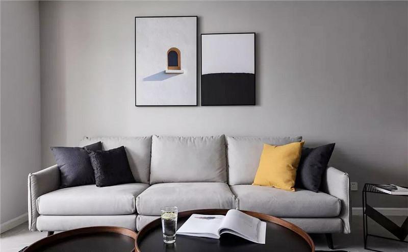 加上装饰画、器皿的点缀,让艺术的高格调与生活的气息紧密相连。
