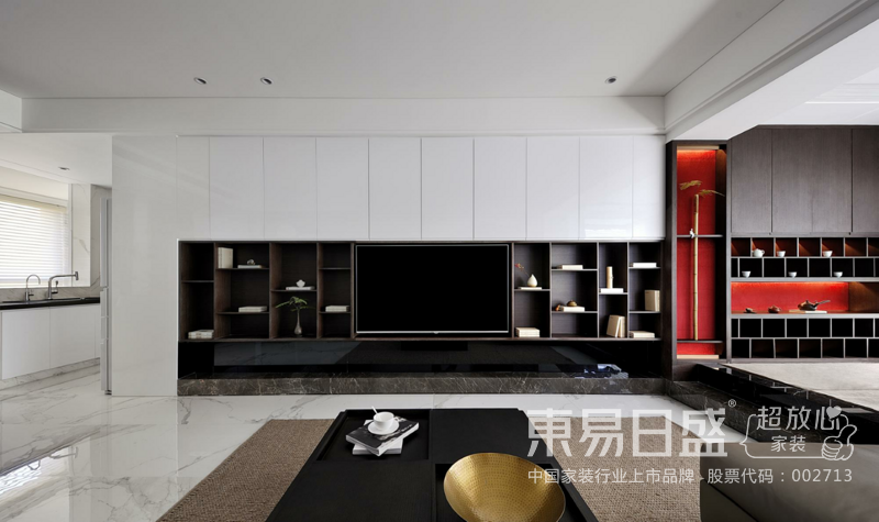 客厅,白色与中性色的搭配,稳重而富有质感。红色的大胆运用,既增强空间的节奏感,也为空间添上了一抹神秘色彩。背景墙上一幅挂画,简单却让空间更加生动、丰富。