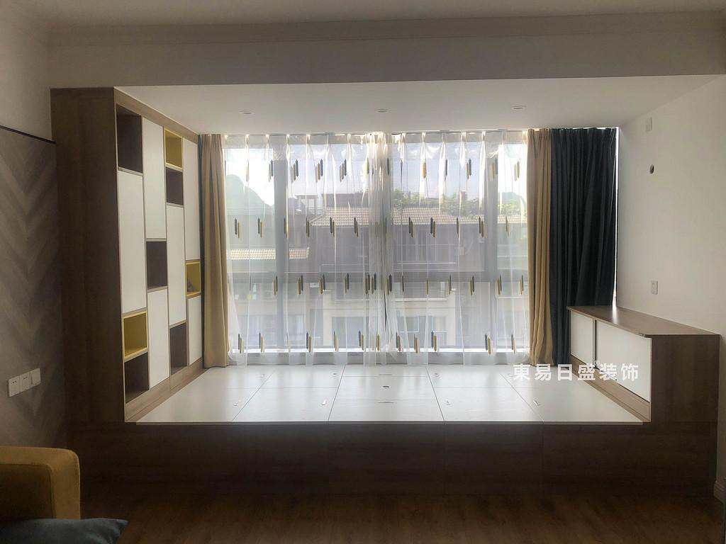 桂林悠山郡顶层复式楼180㎡现代北欧风格:次卧室装修设计实景图